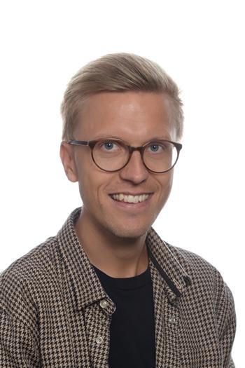 Tomas Dam (TD)